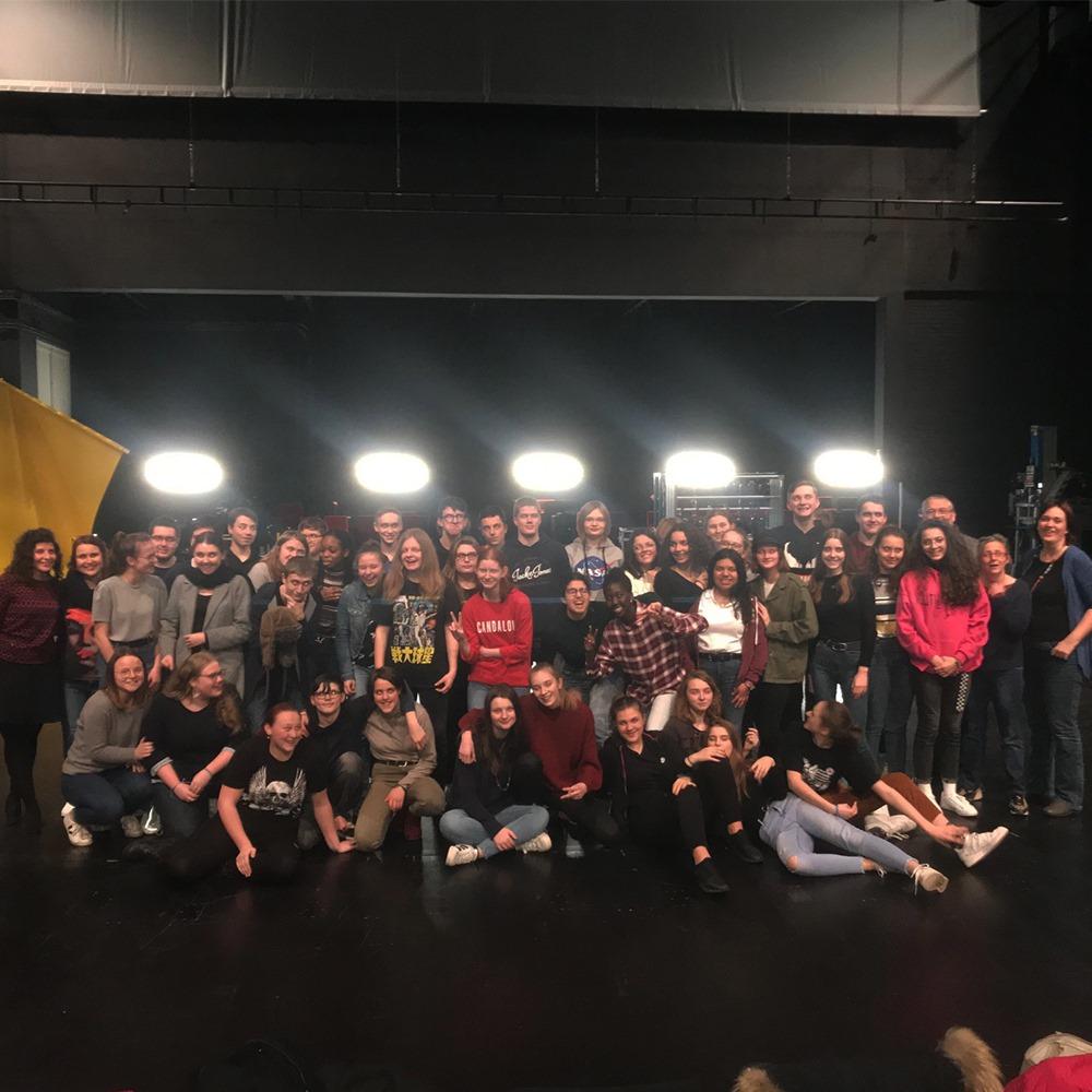Option théâtre : journée inter-établissements au Bateau Feu